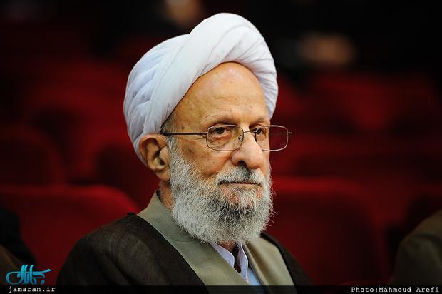آیت الله مصباح یزدی: امروز احمدینژاد را تأیید نمیکنم