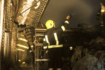 آتش سوزی حسینیه خیابان فلاح تهران مهار شد
