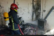 مهار آتشسوزی یک مجتمع مسکونی در مشهد  نجات 4 نفر از ساکنان گرفتار در آتش