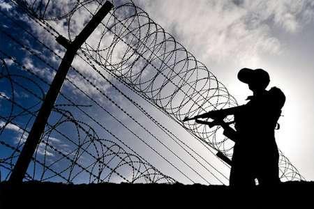 درگیری مرزبانان با سوداگران مرگ در سیستان و بلوچستان 2 مجروح برجای گذاشت