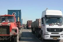 کامیون داران در بردسیر از حمل بار خودداری کردند