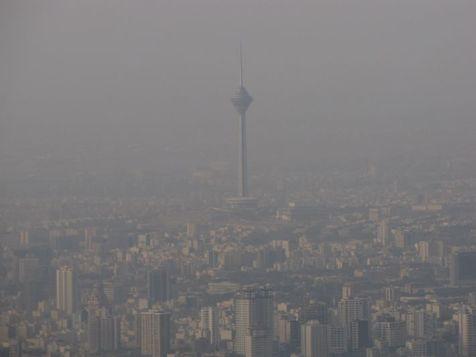 به علت آلودگی هوا در موارد غیرضروری در خانه بمانید
