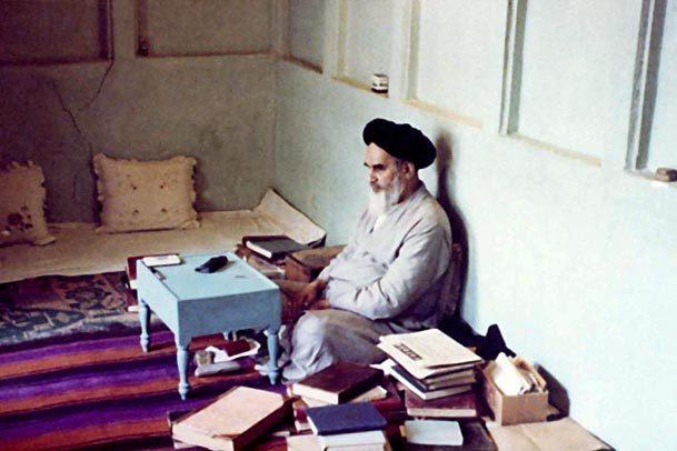 امام خمینی، پرچم دار عرفان سیاسی/1