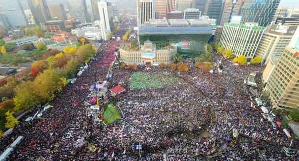 خشم بی سابقه از رسوایی رئیس جمهور+ عکس