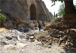 کشف بقایای یک روستای ۵۵۰۰ ساله در طاق بستان