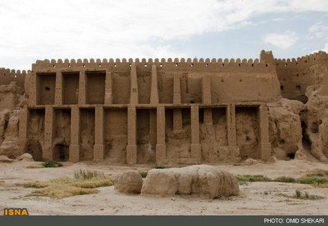 کشف بینظیرترین گچ بری دوره اسلامی در شهر تاریخی بلقیس