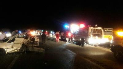 تصادف زنجیره ای 4 سواری در آزاده راه نطنز- کاشان یک کشته و هفت مصدوم برجای گذاشت