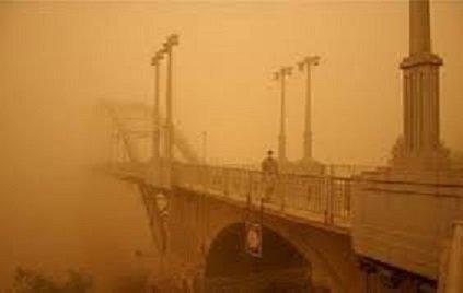 اهوازی ها هنگام گرد و غبار در منزل بمانند