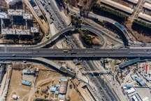 خسارت سنگین برخورد تریلر با پل حصارک کرج