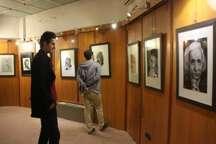 نمایش چهره های معروف ایران و جهان در نمایشگاه نقاشی آستارا