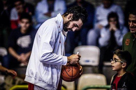 واکنش ستاره بسکتبال ایران به درخواست معافیت 7 ملیپوش فوتبال؛ عجب عدالتیه توی این مملکت!