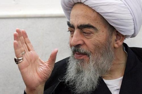 حاج احمد آقا آبروى امام را بعد از فوت ایشان کما هو حقه حفظ کرد