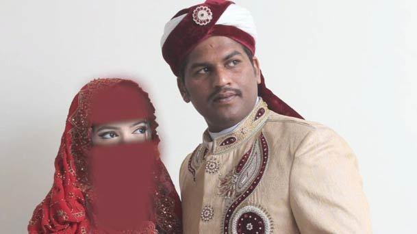 عکس روز/ پایان شادی؛ خانواده تازه عروس و داماد در سوگ