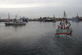 عملیات آبی خاکی تکاوران نیروی دریایی با موفقیت  انجام شد