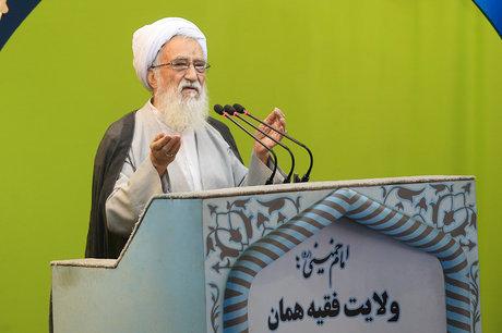 موحدی کرمانی: چند صدایی دشمن را امیدوار می کند