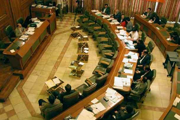 انتقاد اعضای شورای شهر از عدم تکمیل مصلای امام خمینی (س)