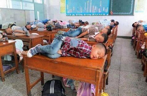 شیوه جدید آموزشی در چین!+ عکس