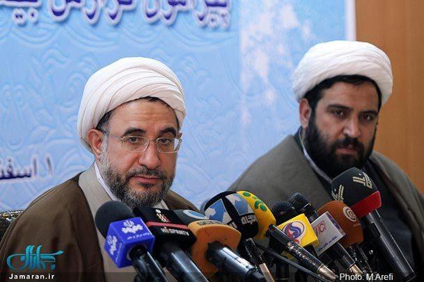 آراء و نظرات امام خمینی در زمینه تقریب مذاهب را گردآوری و تحلیل کرده ایم