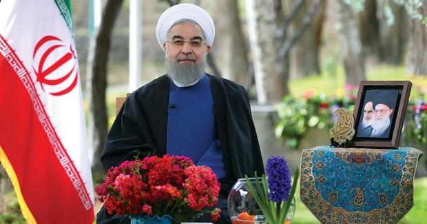 روحانی در پیام نوروزی: سال جدید، سال پیشرفت بیشتر برای ملت ما و اشتغال بیشتر برای جوانان ما خواهد بود / فضای مجازی باید برای مردم ما فضای امن باشد/  باید مشارکت حداکثری، رقابت سالم و انتخابات قانونی مد نظر همه ما باشد