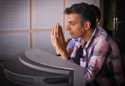 بغض و گریه عادل فردوسی پور در مراسم تشییع بهرام شفیع + فیلم