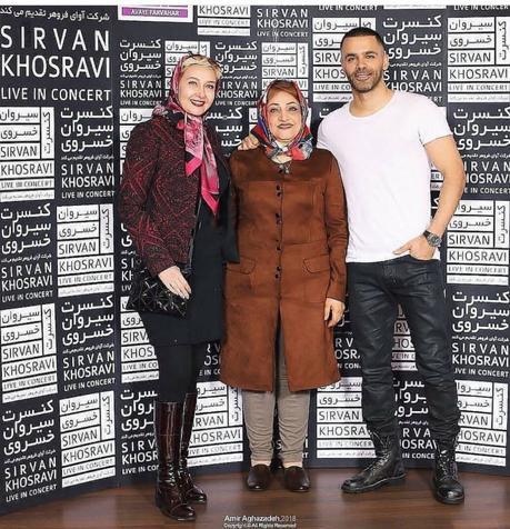 سیروان خسروی و مادرش در کنار کتایون ریاحی / عکس