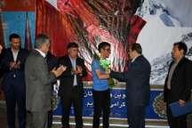 کوهنورد زنجانی در بدو ورود به زنجان مورد استقبال قرار گرفت