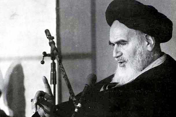 امام خمینی (س) دردیداربا مردم تبریز:همه با هم مىخواهیم که به هیچ کس جوْر نشود
