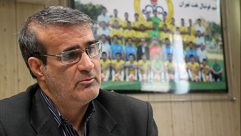 قنبرزاده: منصوریان اگر می تواند قراردادش را یک طرفه فسخ کند