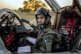 اولین زن خلبان جنگنده در پاکستان+ تصاویر