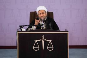 تاکید آملی لاریجانی بر ارتباط متقابل قضات و پزشکان