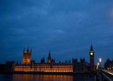 ریاضت اقتصادی شهرهای انگلیس را در تاریکی فرو برد