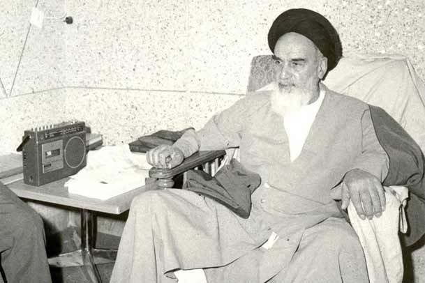 آزادی سیاسی در اندیشه امام خمینی جایگاه والایی دارد