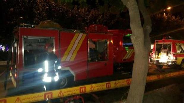 آتش در فروشگاه رفاه کرمان مهار شد