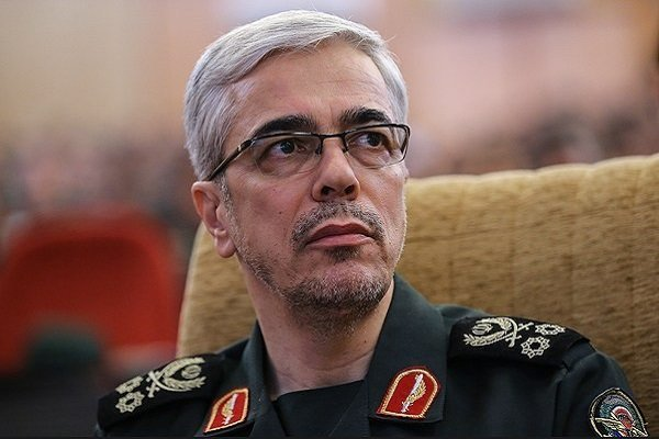 سرلشکر باقری: هیچ کمبودی برای تولید مهمات نظامی نداریم