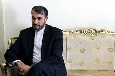 آزادی دیپلمات ایرانی ربوده شده در یمن تایید نمی شود