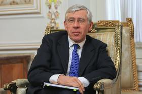 تاکید جک استراو بر حضور ایران و روسیه برای حل بحران سوریه