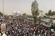 عقب نشینی ارتش در برابر مردم یک روز پس سرنگونی عمر البشیر/ واکنش های بین المللی و نشست شورای امنیت+تصاویر