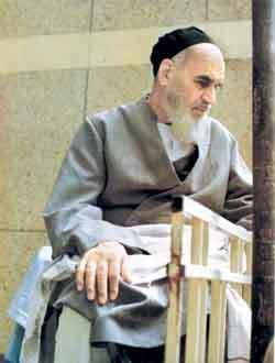 خاستگاه ایدههای تقریبی انقلاب اسلامی، تفسیر سوره حمد امام خمینی(س) است