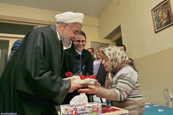 احترام به سالمند مرز جغرافیایی و دینی نمی شناسد