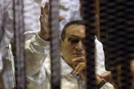 دیکتاتور فردا در خانه است/ حکم آزادی مبارک صادر شد