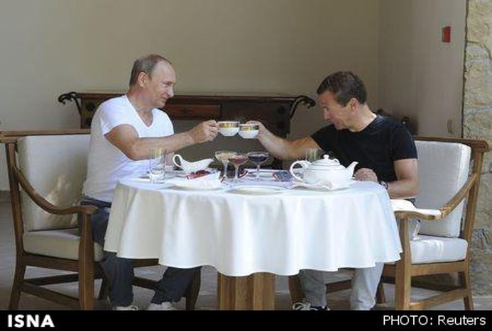 پوتین و مدودف در باشگاه/تصاویر