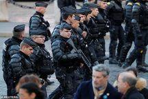 عکس/ پاریس یا پادگان نظامی؟!