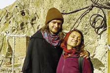 نجات زوج استرالیایی از برف و کولاک در محور کندوان