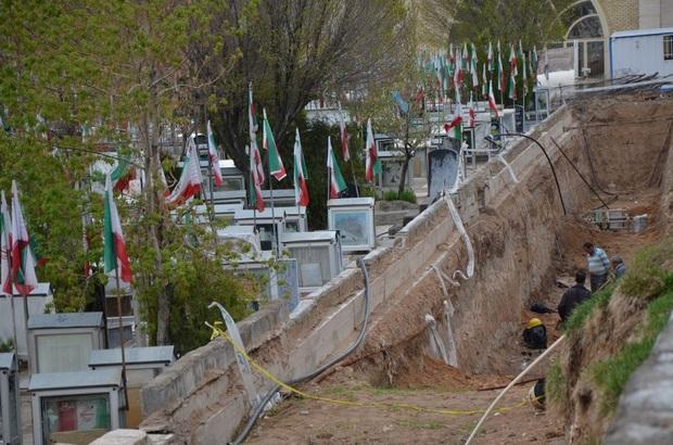 یکسان سازی قبور مطهر شهدا در تبریز متوقف میشود