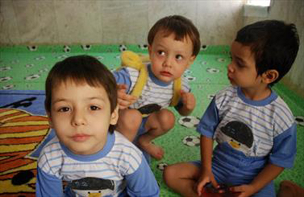 47 خیر زنجانی 60 کودک بی سرپرست را عهده دار شدند