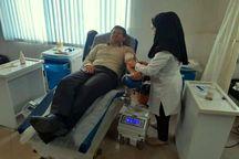 مسئولان آستارا خون اهدا کردند