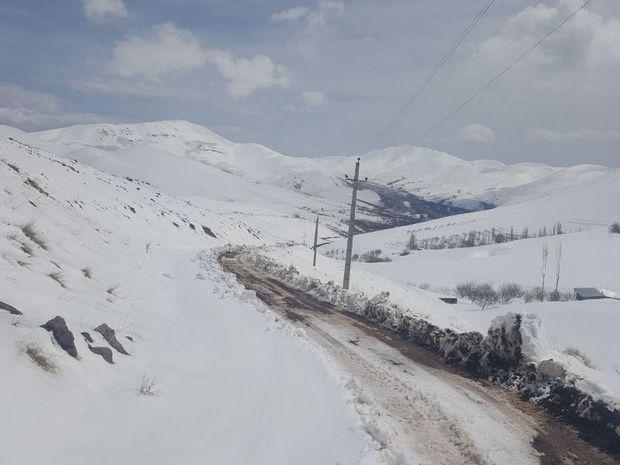 انسداد مسیر و قطع برق روستای «یاری آباد» نوبران رفع شد