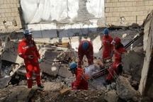 مجروح شدن 2 کارگر بر اثر ریزش آوار ساختمان در مشهد