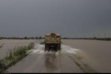 جاده اهواز - آبادان به دلیل آبگرفتگی مسدود شد