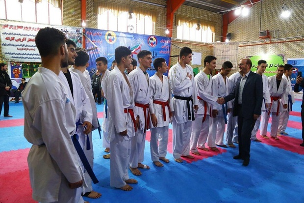 استاندار قزوین از اردوی تیم ملی کاراته امید بازدید کرد